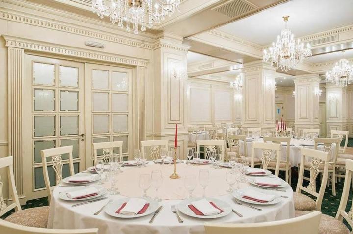 Design interior restaurante stil clasic Bucuresti-Brasov